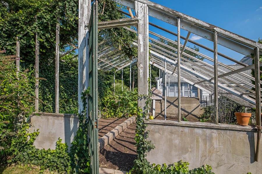 quincy greenhouse 3