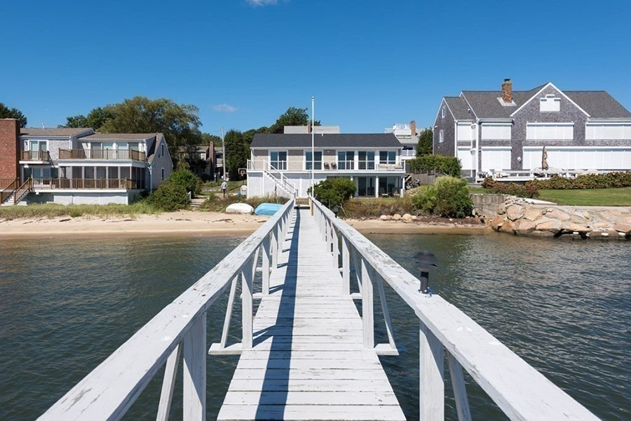 hyannis house 10