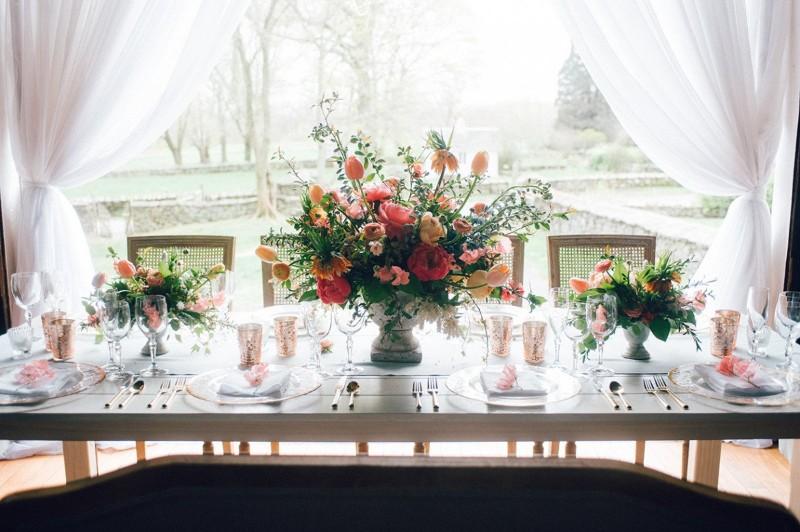 Photo credit: Maggie Conley Photography; Venue: Mount Hope Farm; Florals: Hana Florals Design
