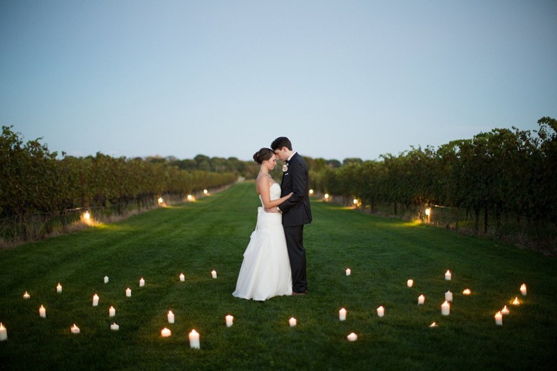 Photo credit: Alicia Ann Photography; Venue: Saltwater Farm Vineyard